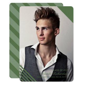 緑のストライプのな2017年の写真の卒業の発表 12.7 X 17.8 インビテーションカード