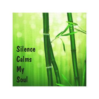 緑のタケ-沈黙は私の精神を静めます キャンバスプリント
