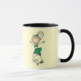 緑のチアリーダーのTシャツおよびギフト マグカップ