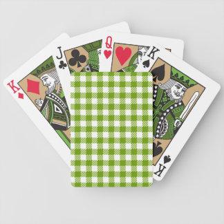 緑のチェック模様のテーブルクロスパターンが付いているカード・デッキ バイスクルトランプ
