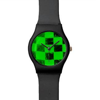 緑のチェック模様の旗 腕時計
