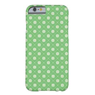 緑のデイジーパターン BARELY THERE iPhone 6 ケース