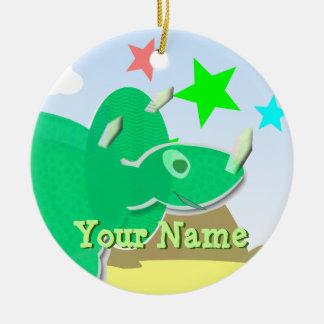 緑のトリケラトプスの漫画の恐竜の名前のオーナメント セラミックオーナメント