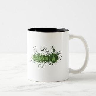 緑のナマステの英語 ツートーンマグカップ