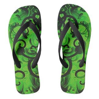 緑のヌードル ビーチサンダル