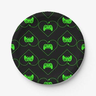 緑のビデオゲームのコントローラーのハートパターン ペーパープレート