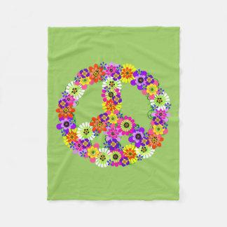 緑のピースサインの花柄 フリースブランケット
