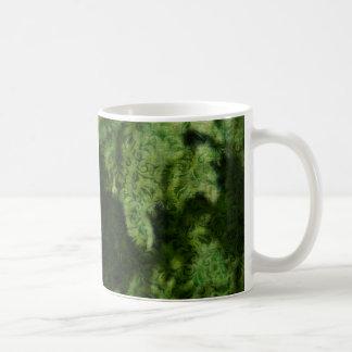 緑のブロケードの背景のデザイン コーヒーマグカップ