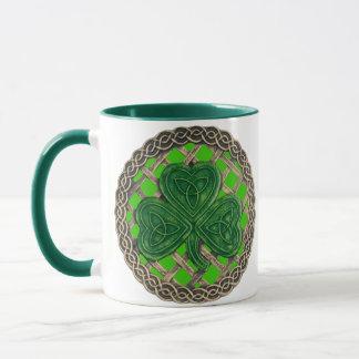 緑のマグのシャムロック、格子およびケルト結び目模様 マグカップ