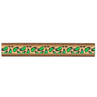 緑のマダラチョウパターン 定規