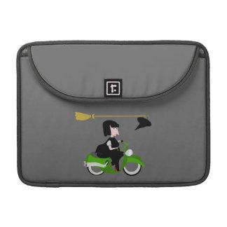 緑のモペットに乗っている漫画の魔法使い MacBook PROスリーブ