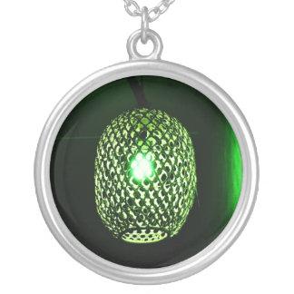 緑のランタンのネックレス シルバープレートネックレス