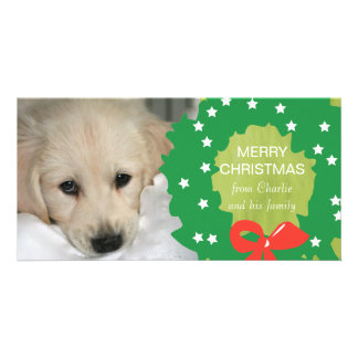 緑のリースのメリークリスマス犬の写真カード カード