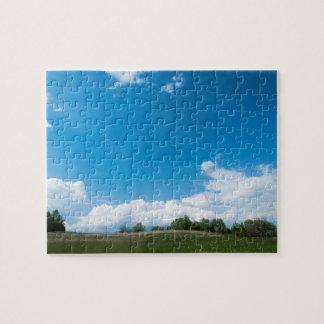 緑の丘陵および青空 ジグソーパズル
