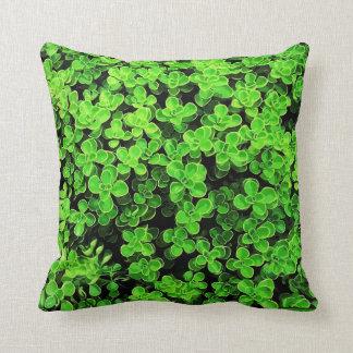 緑の両掛け-花の表面の質 クッション