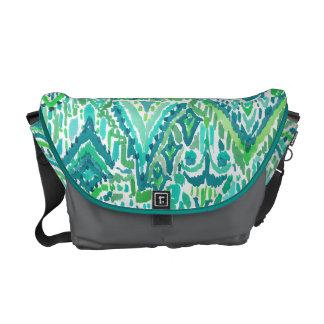 緑の寺院の種族のBohoのシックなイカットの水彩画 メッセンジャーバッグ