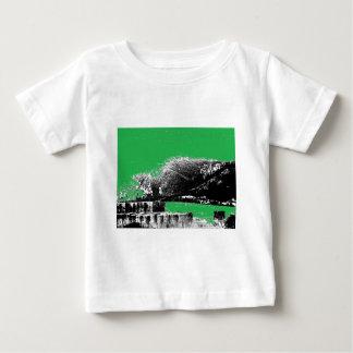 緑の干し草 ベビーTシャツ
