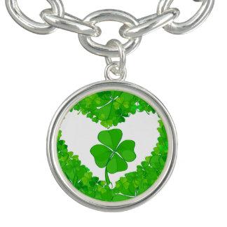 緑の幸運なシャムロック チャームブレスレット