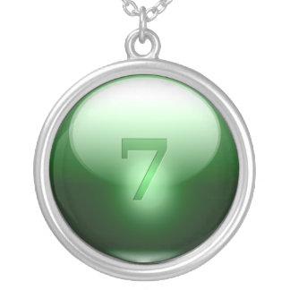 緑の幸運な7 シルバープレートネックレス
