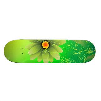 緑の春の花 スケートボード