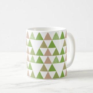 緑の木の緑葉カンランの緑の草木の三角形の幾何学的なモザイク コーヒーマグカップ