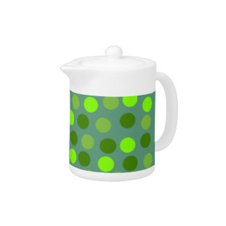緑の水玉模様の小さいティーポット
