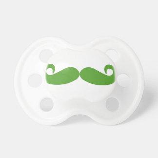緑の渦巻の髭 おしゃぶり