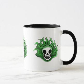 緑の燃えるようなスカル マグカップ