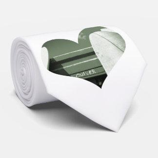 緑の白をサーフする波のサーフボードの震え オリジナルネクタイ