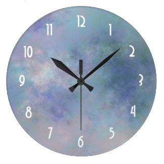 緑の紫色のピンクによってまだらにされる水彩画の背景 ラージ壁時計