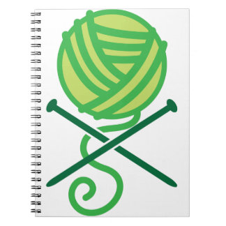 緑の編み物のウールおよび骨が交差した図形の針 ノートブック