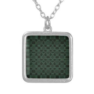 緑の織り目加工の正方形パターン シルバープレートネックレス