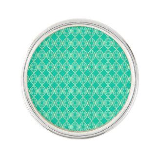 緑の背景が付いている黄色いパターン ラペルピン