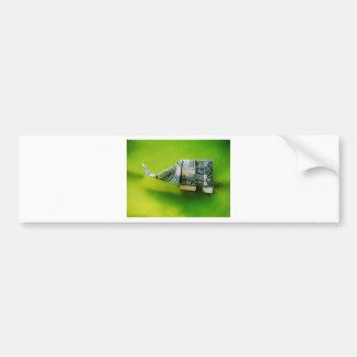 緑の背景のドル札のorigami象 バンパーステッカー