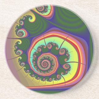 緑の螺線形の宝石のフラクタル コースター
