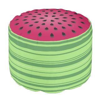 緑の赤いスイカのデザイン プーフ