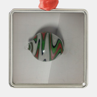 緑の赤く白いdichroのかつらのおどけ者パターン シルバーカラー正方形オーナメント