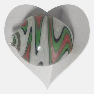 緑の赤く白いdichroのかつらのおどけ者パターン ハートシール