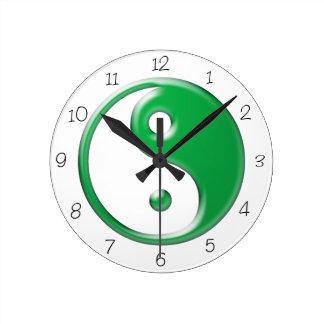 緑の陰陽の円形の時計 ラウンド壁時計