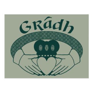 緑のCladdaghのリング愛Gradhのゲール語 ポストカード