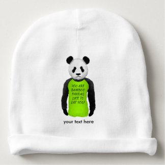緑のTシャツを身に着けているおもしろいなパンダ ベビービーニー