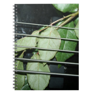 緑は5ひも低音に楽器を残します ノートブック