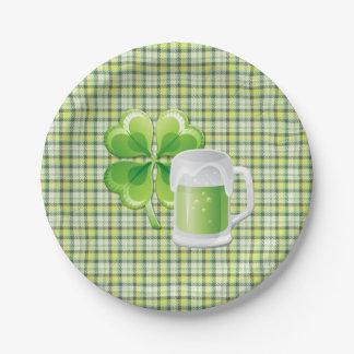 緑ビールおよびシャムロックSt. Patricksの紙皿 ペーパープレート