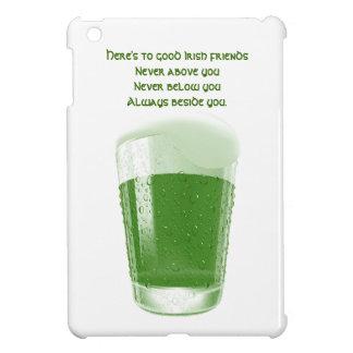 緑ビールのパイント+引用文アイルランドの友人のトースト iPad MINIケース