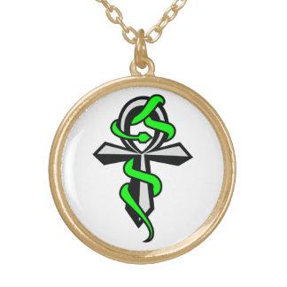 緑ヘビのネックレスとのAnkh ゴールドプレートネックレス
