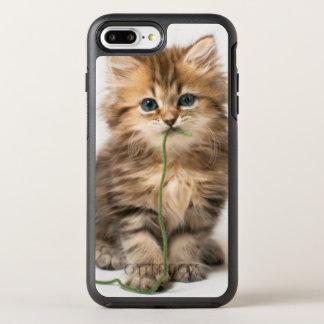 緑ヤーンを持つ子ネコ オッターボックスシンメトリーiPhone 8 PLUS/7 PLUSケース