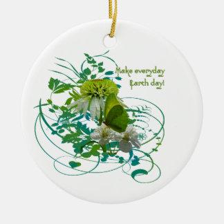 緑及び白い花の花束のアースデー セラミックオーナメント