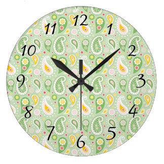 緑及び黄色の春のペイズリー ラージ壁時計
