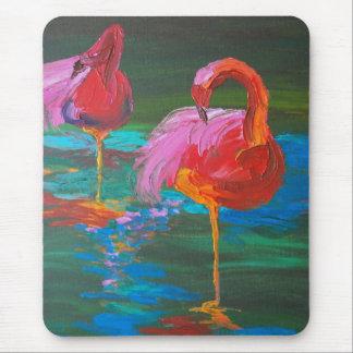 緑湖(K.Turnbullの芸術)の2羽のピンクのフラミンゴ マウスパッド
