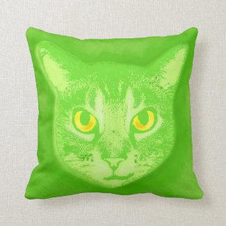 緑猫の顔2 クッション